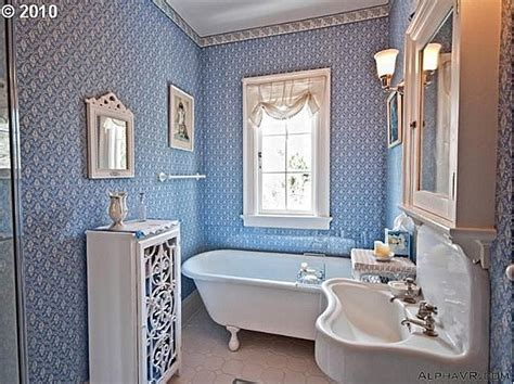 old fashioned bathrooms what a charming old fashioned bathroom bathrooms pinterest
