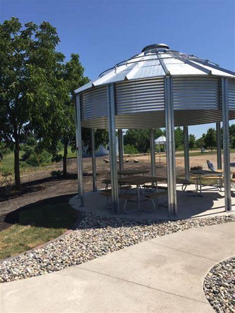 Dog Creek Grain Bins   Corn, Dog Creek Park, O'Brien