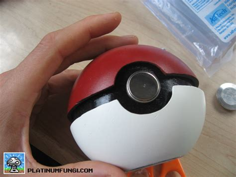 How To Make A Paper Pokeball - how to make a paper pokeball that opens 28 images how