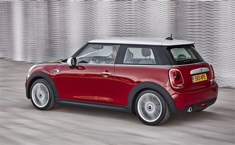 Mini Cooper Hatch by 2014 Mini Cooper Hatch Revealed Photos Caradvice