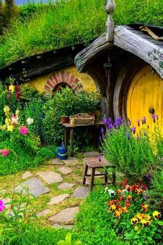hobbit house new zealand hobbit holes pinterest 1000 images about bag end and the shire on pinterest