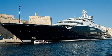 largest boat builder in the world world s largest superyachts boats 1 100 brokers