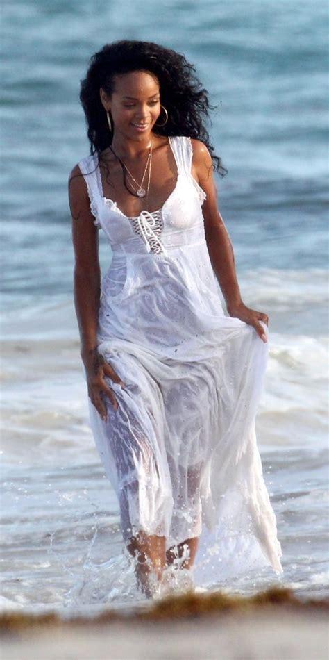 Naughty Rihanna Shesfreaky