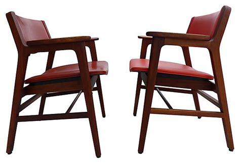Modern Style Chairs By W H Gunlocke Chair Company