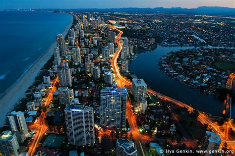 wallpaper warehouse gold coast surfer s paradise after sunset photos q1 surfer s