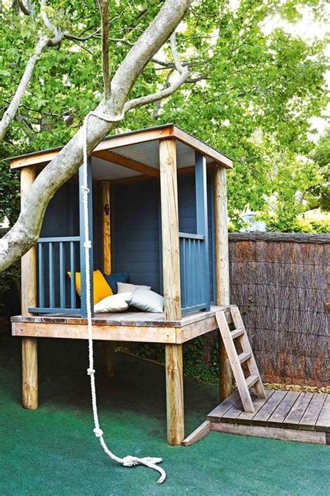 backyard play houses best 25 simple playhouse ideas on pinterest outdoor