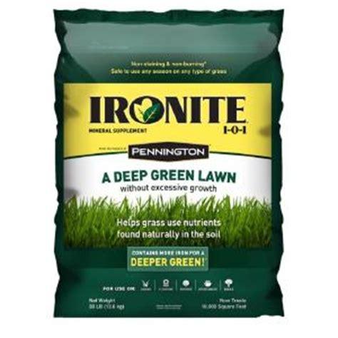 ironite 30 lb 1 0 1 lawn fertilizer 100524179 the home