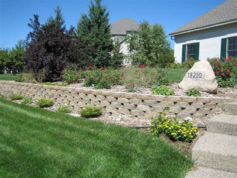 Landscape Rock Lakeville Mn Keystone Garden Wall Lakeville Pahl S Market Apple