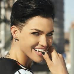 ruby haircut ruby rose is engaged to phoebe dahl popsugar celebrity