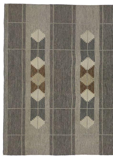 swedish style rugs vintage swedish rollakan gray flatweave kilim rug with scandinavian modern style for sale at 1stdibs