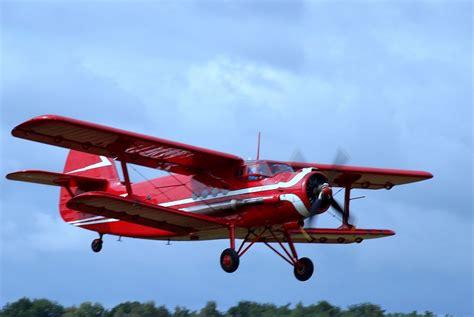 roter fächerahorn kaufen roter doppeldecker an 2 foto bild luftfahrt oldtimer