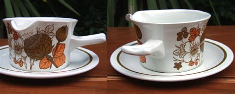 gravy boat mlp midwinter quot countryside quot gravy boat and stand イギリスアンティークの