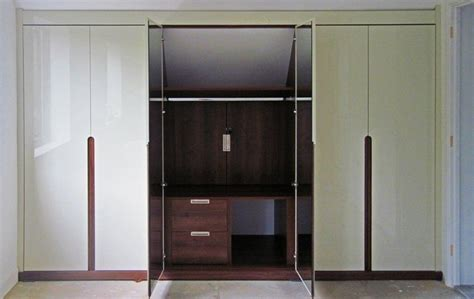 Perpendicular Closet Rod by 17 Best Images About On Sliding Doors