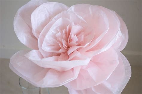 Make Large Paper Flowers - paper flowers on paper flowers tissue paper