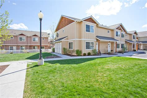 Apartments Bend Oregon Empire Townhomes Bend Or Apartment Finder