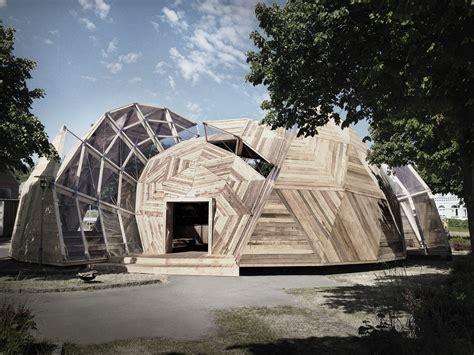 geodesic dome house tejlgaard jepsen transformam uma geod 233 sica tempor 225 ria em