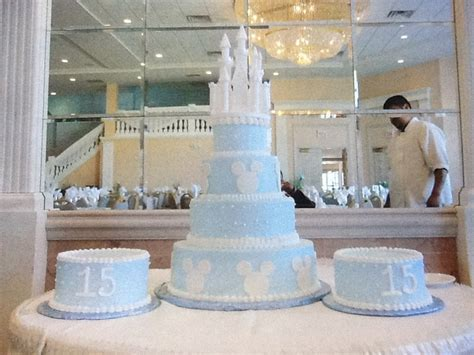 quinceanera castle themes 46 best images about sweet 16 quinceanera cakes on pinterest