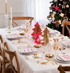 Christmas Tree Centerpiece Ideas - 5 christmas table setting ideas in different styles