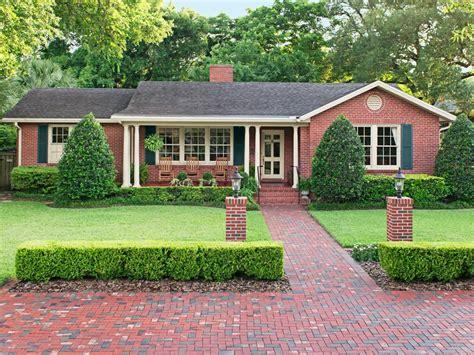 curb appeal ideas  jacksonville florida brick ranch