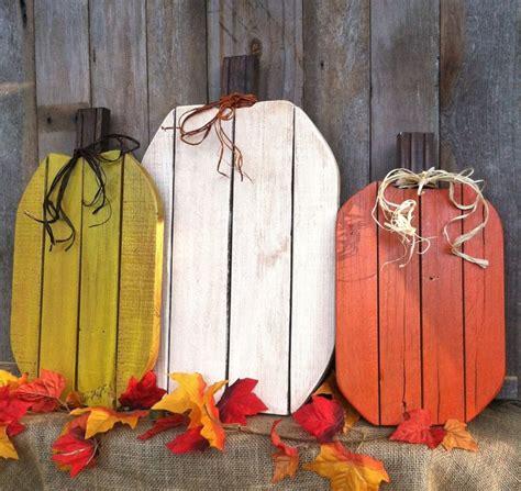 wooden fall decorations 1000 ideas about pallet pumpkin on wooden