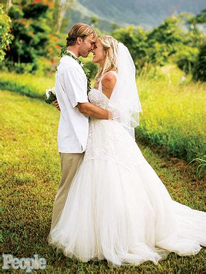 bethany hamilton marries adam dirks see the official