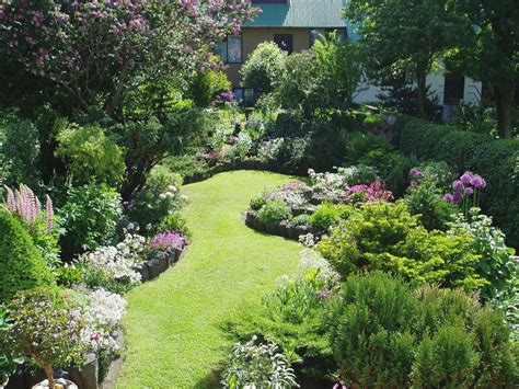 Outdoor Garden Design Ideas For Small Gardens Planning A Small Garden Layout