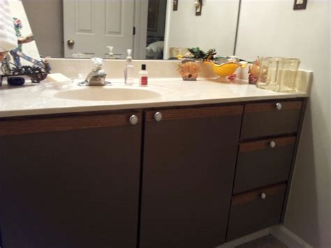 Painting Formica Cabinet Doors by Best 20 Formica Cabinets Ideas On Cheap Kitchen Cabinets Cheap Kitchen Updates And
