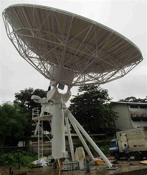 big satellite 11 3m big satellite dish feed back from myanmar