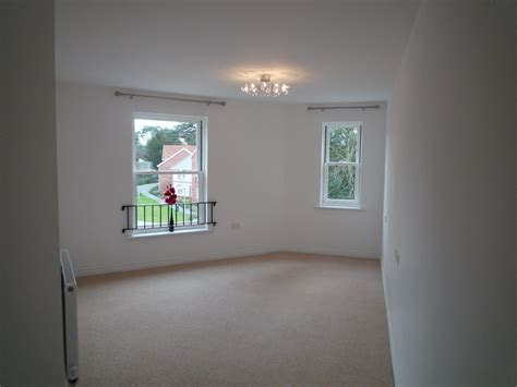1 bedroom flat winchester 1 bed apartment to rent winton close winchester so22