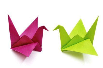 Folding Crane Origami - the gift of the crane sparrow stoll