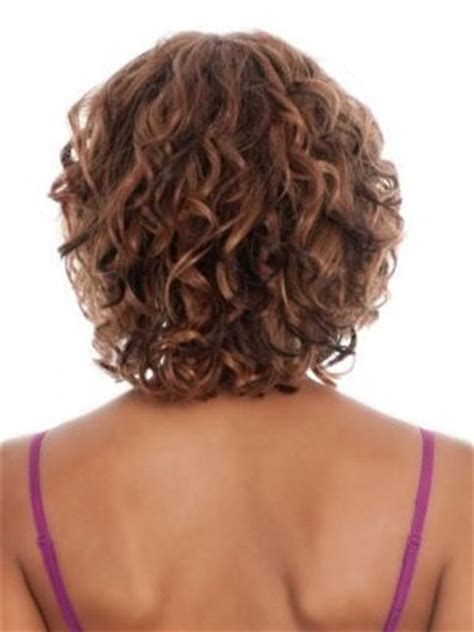 clavicut curly hair 25 best ideas about medium length curly hairstyles on