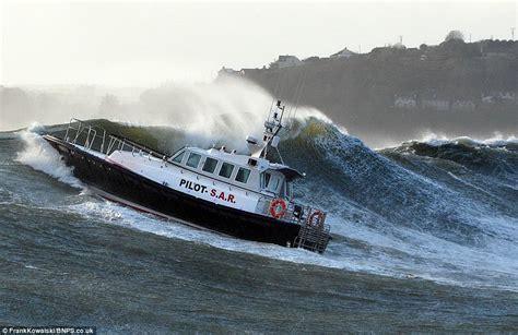 catamaran storm video go nautical boats boating storm stormy ocean rivarama