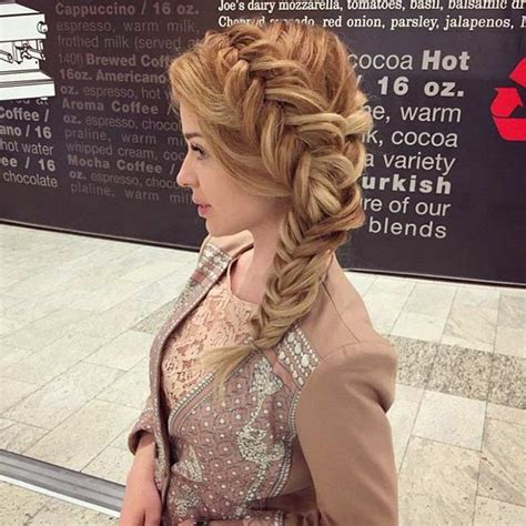 Side Swept Prom Hairstyles by 21 Pretty Side Swept Hairstyles For Prom Stayglam