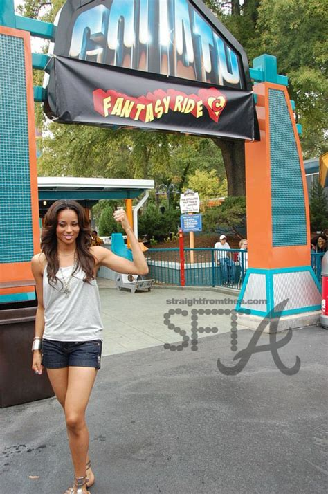 theme park fashion fashion bomb 101 what to wear to an amusement or theme