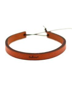 Gelang Kulit Signet Leather Bracelet 14 wear your on your wrist this is with a slip knot to easily fit most wrists and