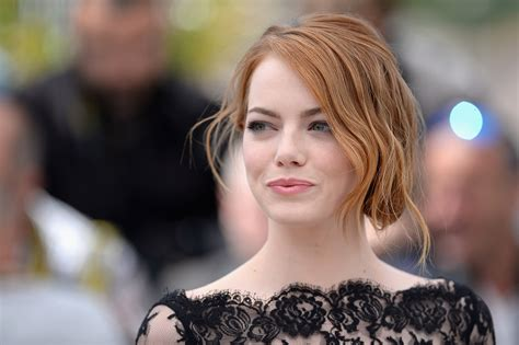 emma stone disney emma stone in talks to play cruella de vil in disney 101