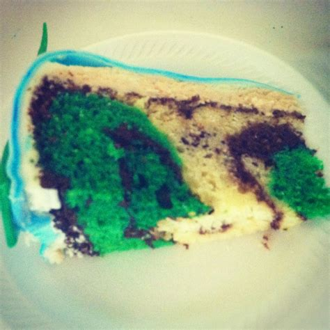 Camo Print on the inside of a cake ?   Cupcakes by Amanda