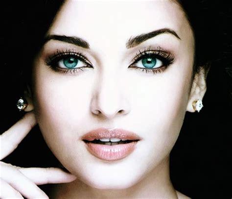 aishwarya rai eye color contacts world famous celebrities aishwarya rai celebrity with the