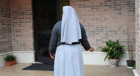 schiave gabbia suore accusate di pedofilia indagini vaticano