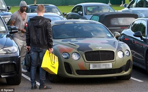 bentley camo balotelli gives his new bentley the discreet treatment