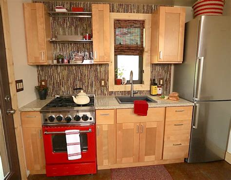 Tiny House Kitchen Cabinets Bluestar Featured In Tiny House Nation In A Home That S Only 500 Sq Modern Kitchen
