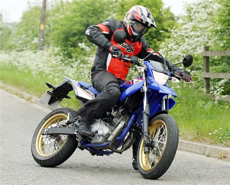 Helm Supermoto Toga Le Blue White Yamaha Wr125x 2009 On Review Mcn