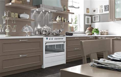 cucina romantica aw romantica la nuova cucina neoclassica di febal