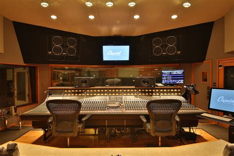 stud io capitol studios of l a an iconic recording studio still