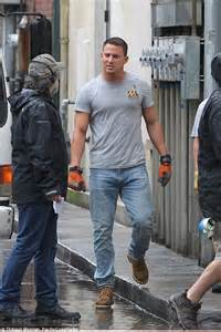 michael strahan out abs channing tatum on the magic mike channing tatum shows off sculpted arms as he films magic