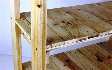 costruire scaffale in legno scaffalatura in cantina fai da te