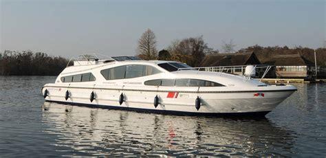 boats norfolk broads fair commissioner boating holidays norfolk broads direct