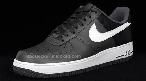 white nike shoes with black swoosh black nike shoes white swoosh