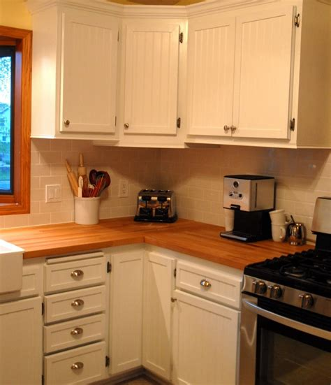 White Beadboard Kitchen Cabinets by 13 Best Images About Painted Beadboard Cabinets On