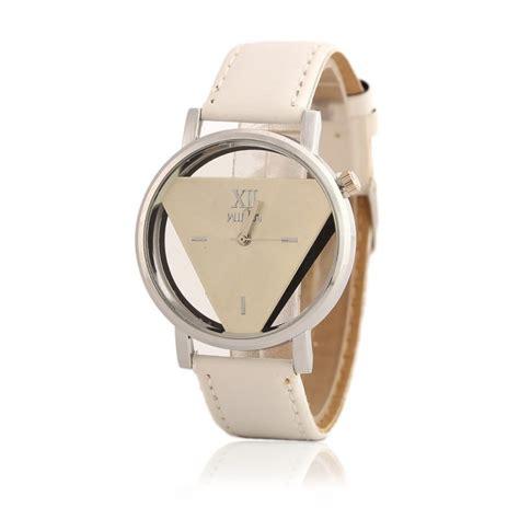 Jam Tangan Triangle Quartz bentuk jam tangan juga boleh gambarkan personaliti